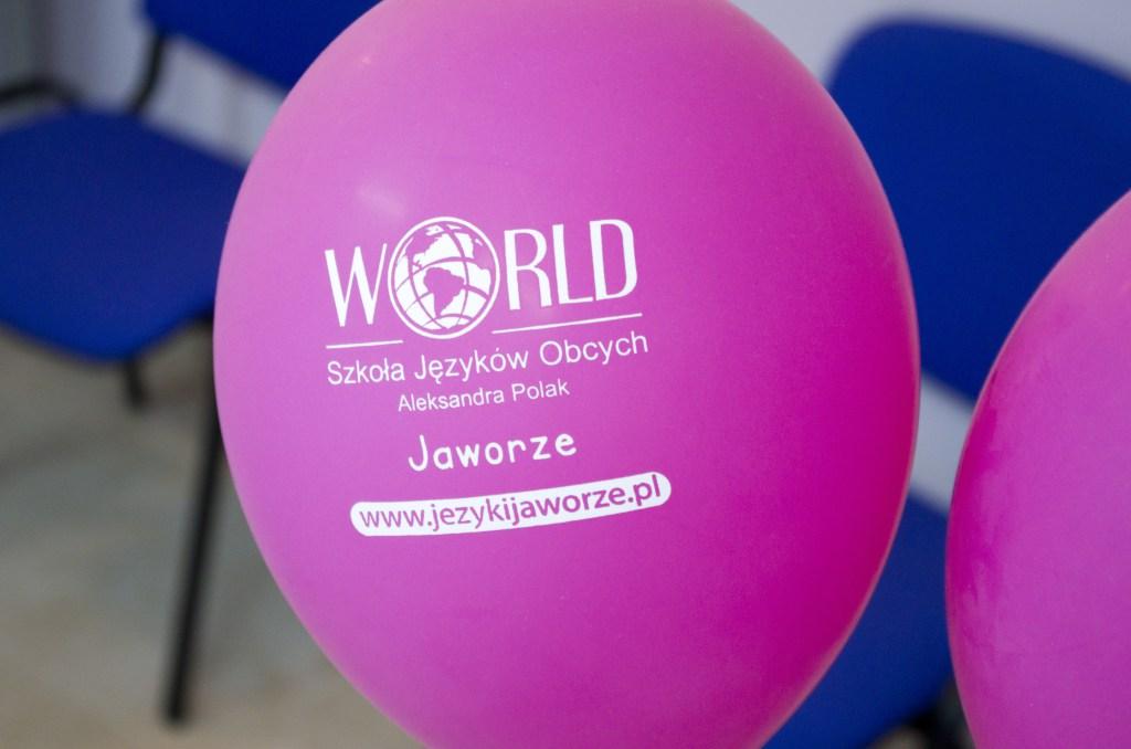 """Zdjęcie balonów Szkoły Języków Obcych """"World"""" w Jaworzu"""