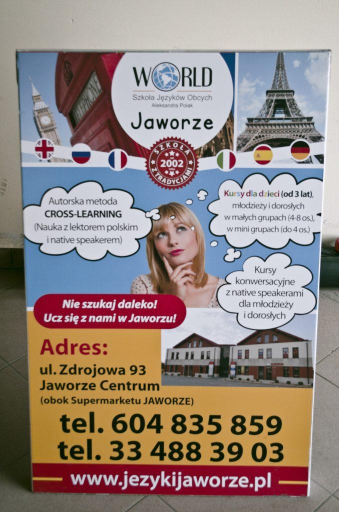 """Potykacz reklamowy Szkoły Języków Obcych """"World"""" w Jaworzu"""